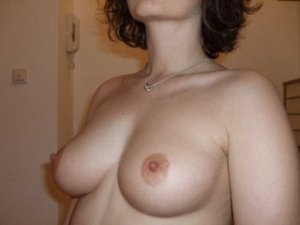 Louisianne nerdy escorts personals O'Fallon